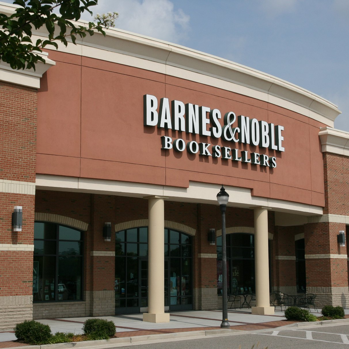 Barnes & Noble And The Writer: Friend Or Foe?